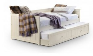 jessica_day_bed_and_undertrundle